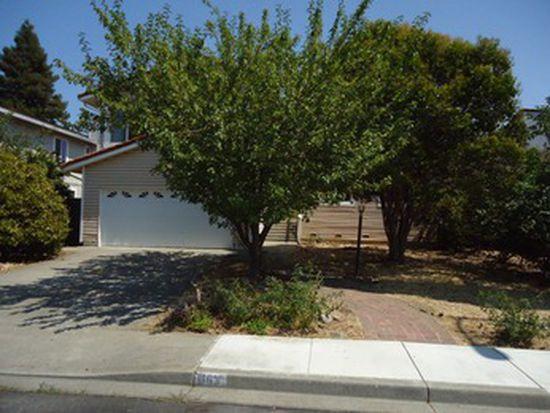 663 Scottsdale Dr, Vacaville, CA 95687