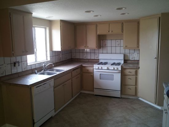 20631 Zuni Rd, Apple Valley, CA 92307