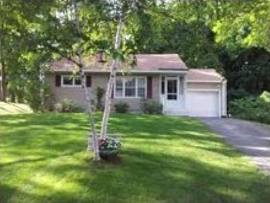 22 Holly St, Concord, NH 03301