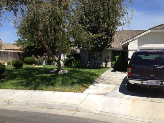 832 Mesa Ct, Los Banos, CA 93635