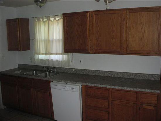 384 W Kennett Rd, Pontiac, MI 48340