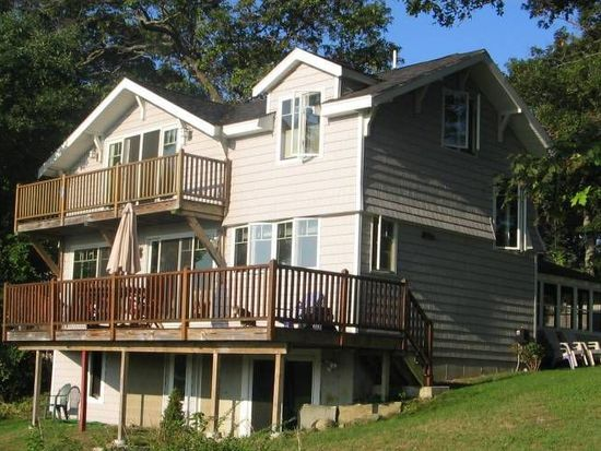 17 Stanwood Pt, Gloucester, MA 01930