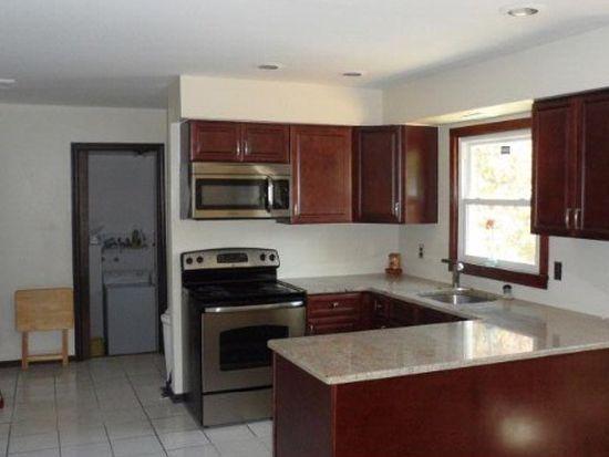 6 Robin Pl, Fairfield, NJ 07004