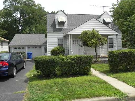 332 Oak Ave, Woodbridge, NJ 07095