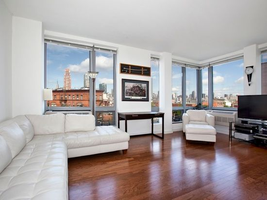 4815 11th St APT 4A, Long Island City, NY 11101