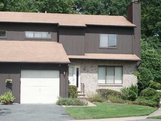 22 Mountain Ridge Dr, Cedar Grove, NJ 07009