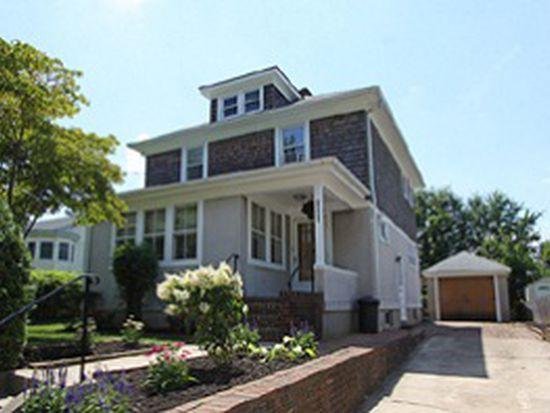 1466 Middle Neck Rd, Port Washington, NY 11050