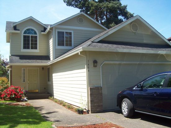 1484 NE 13th Pl, Canby, OR 97013