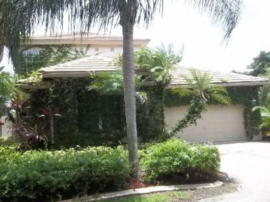 1580 Lacosta Dr W, Pembroke Pines, FL 33027