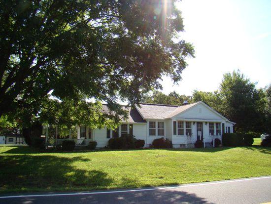 6250 Poplar Camp Rd, Hillsville, VA 24343