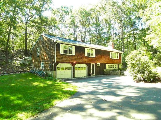 25 Cedar Hill Rd, Newtown, CT 06470