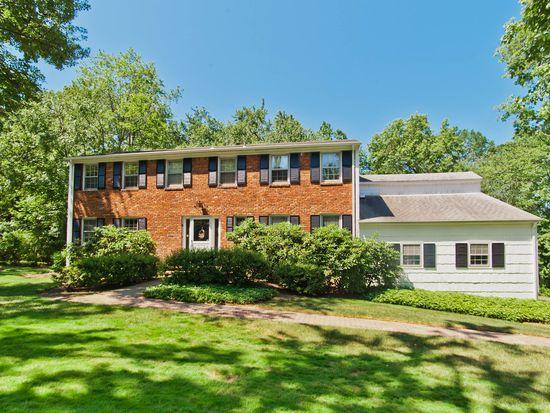 8 Princeton Rd, Livingston, NJ 07039