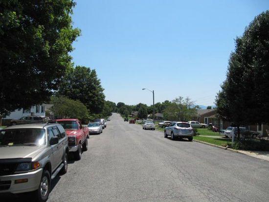 4660 Long Acre Dr NE, Roanoke, VA 24019