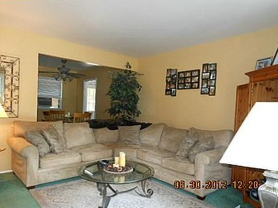1019 Biscayne Dr, Hermitage, PA 16148