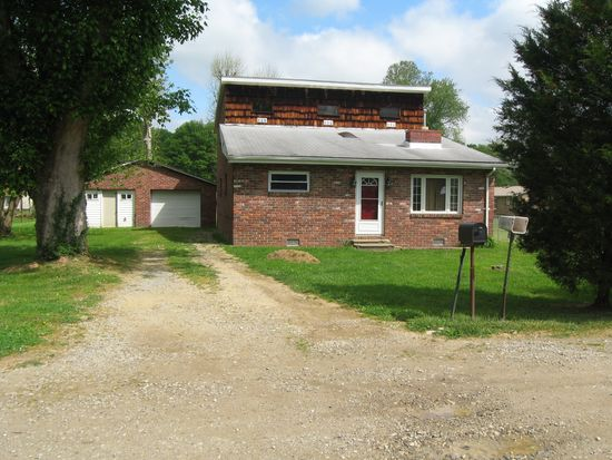 3720 Mill St, Saint Albans, WV 25177