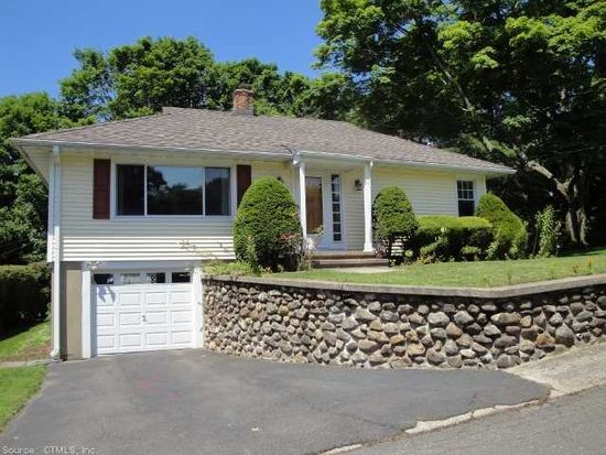 31 Carolyn Cir, Naugatuck, CT 06770