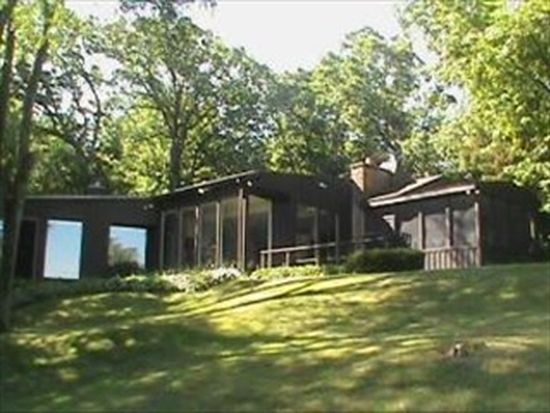 315 S Valley Hill Rd, Bull Valley, IL 60098