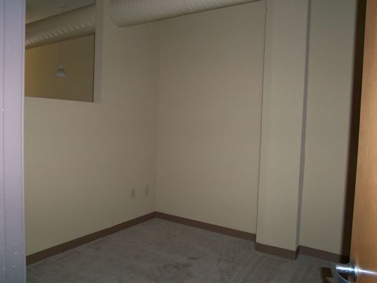 2201 W 93rd St APT 27, Cleveland, OH 44102