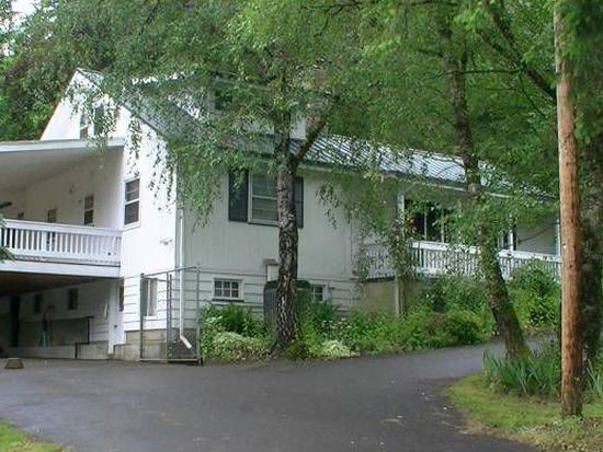17210 S Henrici Rd, Oregon City, OR 97045