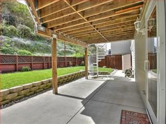 627 Big Bend Dr, Pacifica, CA 94044