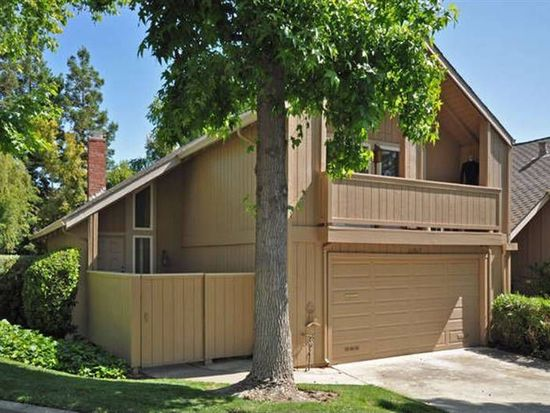 22917 Cricket Hill Rd, Cupertino, CA 95014