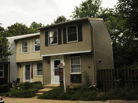 8418 Sugar Creek Ln, Springfield, VA 22153