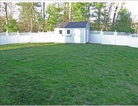 74 Sherwood Dr, North Andover, MA 01845