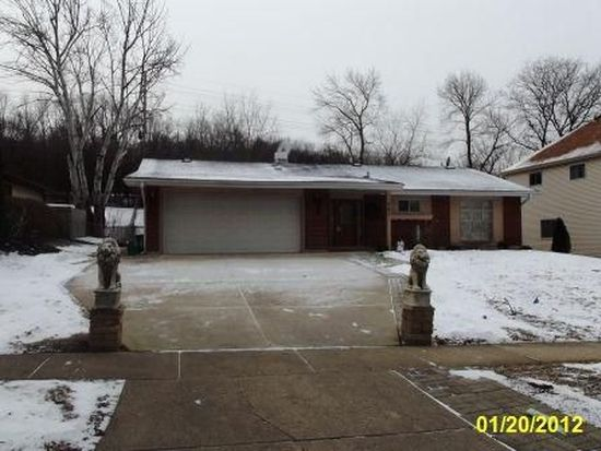 21W341 Ahlstrand Rd, Lombard, IL 60148