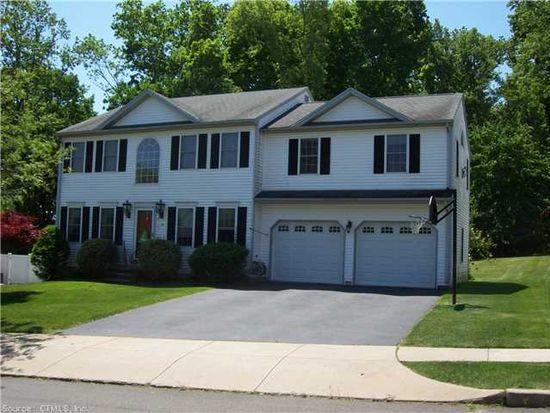 174 Stagecoach Cir, Milford, CT 06460