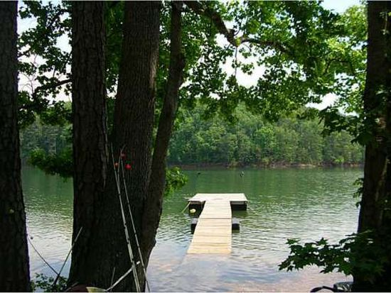 915 Pine Cir, Woodstock, GA 30189