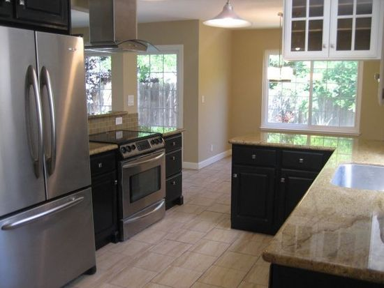 1645 Brentwood Ln, Gilroy, CA 95020