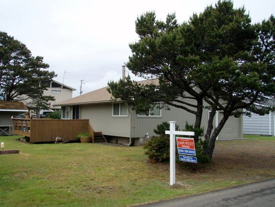 25940 Nedonna Ave, Rockaway Beach, OR 97136