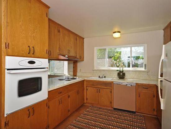 200 Lyndhurst Ave, Belmont, CA 94002