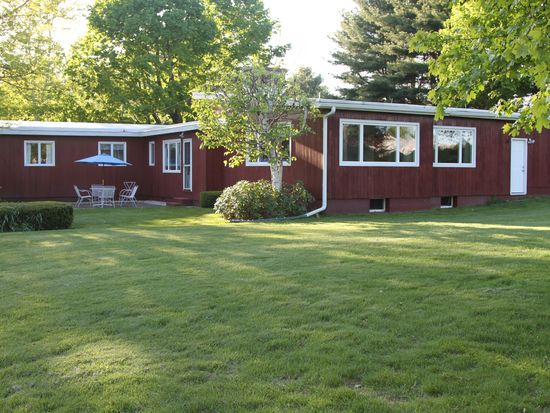 112 Tor Ct, Pittsfield, MA 01201