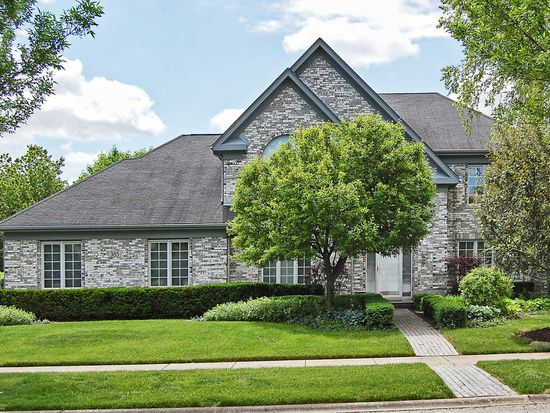 385 Blue Ash Dr, Buffalo Grove, IL 60089