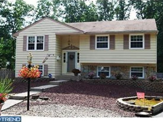 14 Amherst Ct, Turnersville, NJ 08012