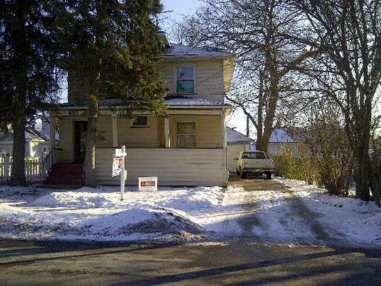 461 Park St, Elgin, IL 60120