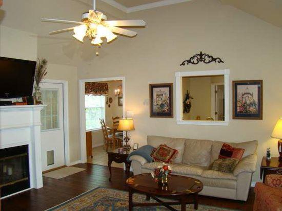 104 Pinegarden, Sour Lake, TX 77659