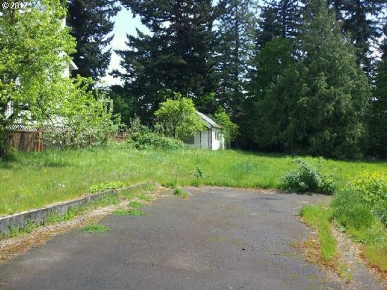 12613 SE Stark St, Portland, OR 97233