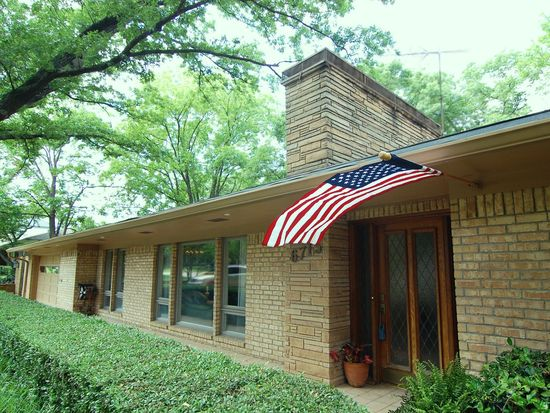 6715 Brookshire Dr, Dallas, TX 75230
