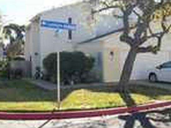 2327 Caminito Andada, San Diego, CA 92107