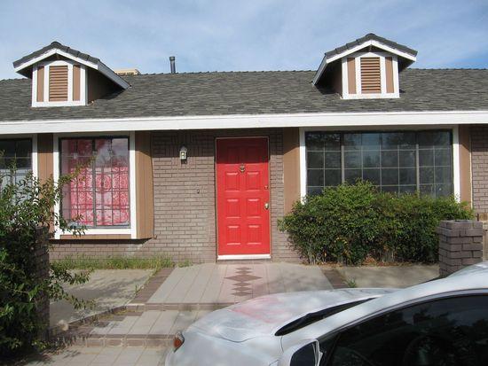 7960 Maple Ave, Hesperia, CA 92344
