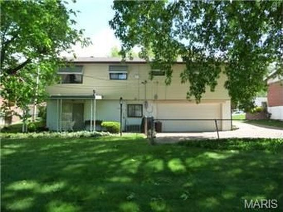 2243 Rosegarden Dr, Saint Louis, MO 63125