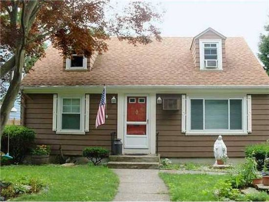 70 Parkside Ave, Pawtucket, RI 02861
