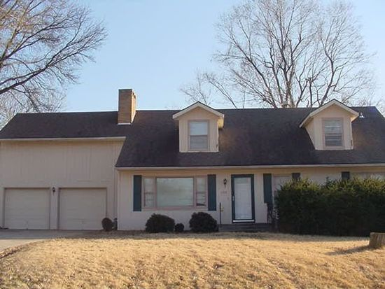 1207 W Beverly Rd, Independence, MO 64055
