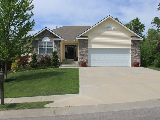 5066 NW Woodside Dr, Riverside, MO 64150