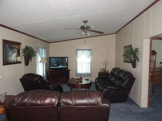 1711 Hardins Run Rd, New Cumberland, WV 26047