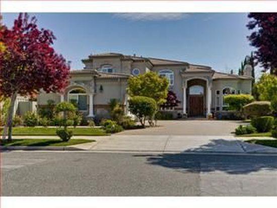 22360 Santa Paula Ave, Cupertino, CA 95014