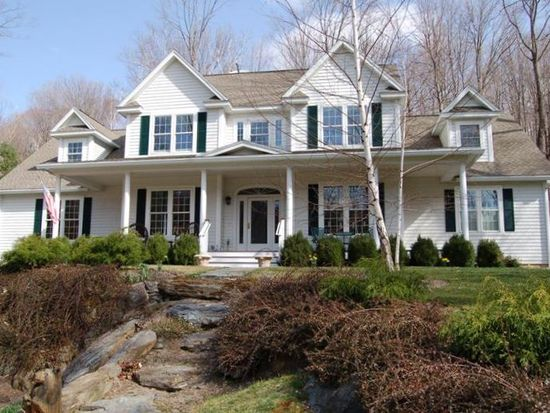 18 Oxbow Rd, North Egremont, MA 01230
