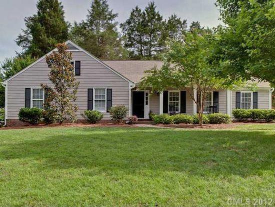 6729 Carmel Hills Dr, Charlotte, NC 28226